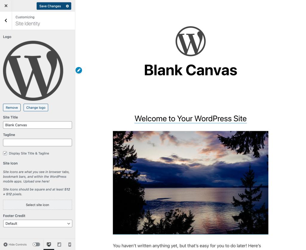 Interfaz del Personalizador, en la que se muestra un logotipo de WordPress insertado en la página.